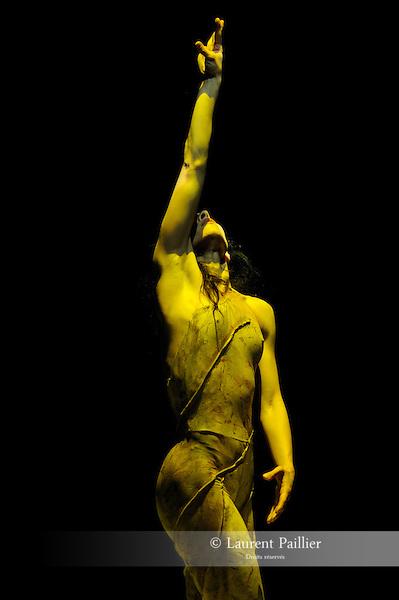Mandala<br /> Sara Orselli<br /> Th&eacute;&acirc;tre le Chaudron, Paris - &quot;June events&quot; 2010