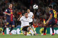 02/09/2012 - Liga Football Spain, FC Barcelona vs. Valencia CF Matchday 3 - Victor Ruiz from Valencia CF (middle) duels for a ball with Pedro from Barcelona (right)