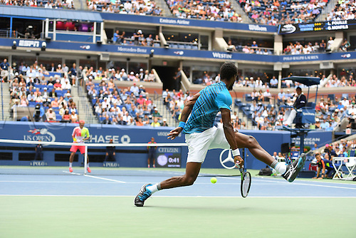 06.09.2016. Flushing Meadows, New York, USA. US Open 2016 Grand Slam tennis tournament. Gael Monfils (FRA) returns to Pouille (fra) Monfils won the match in 3 sets