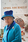 14/11/2013 The Queen at Coop