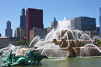 Buckingham Fountain in Grant Park with the city of Chicago in the background