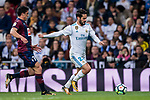 Isco Alarcon (r) of Real Madrid competes for the ball with Ander Capa Rodriguez of SD Eibar during the La Liga 2017-18 match between Real Madrid and SD Eibar at Estadio Santiago Bernabeu on 22 October 2017 in Madrid, Spain. Photo by Diego Gonzalez / Power Sport Images