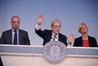 Roma, 6 Novembre 2015<br /> Angelino Alfano, Claudio De Vincenti e Roberta Pinotti.<br /> Conferenza stampa a Palazzo Chigi al termine del CdM n° 89