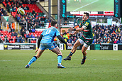 6th January 2018, Welford Road Stadium, Leicester, England; Aviva Premiership rugby, Leicester Tigers versus London Irish; Matt Toomua  spins the ball out to the back-line for Tigers