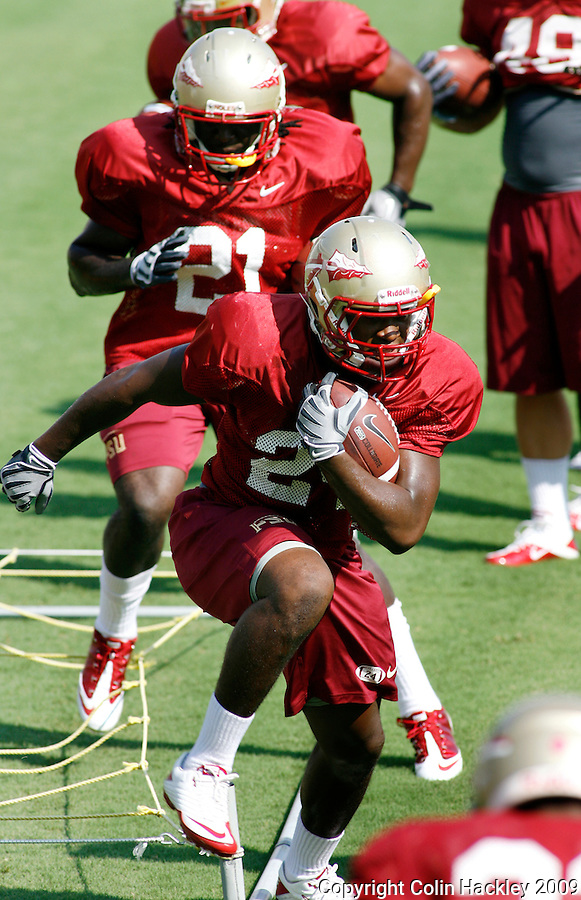 TALLAHASSEE, FL 8/8/10-FSU-080810 CH-Florida State's  Lonnie Pryor runs a drill during practice Sunday in Tallahassee. .COLIN HACKLEY PHOTO