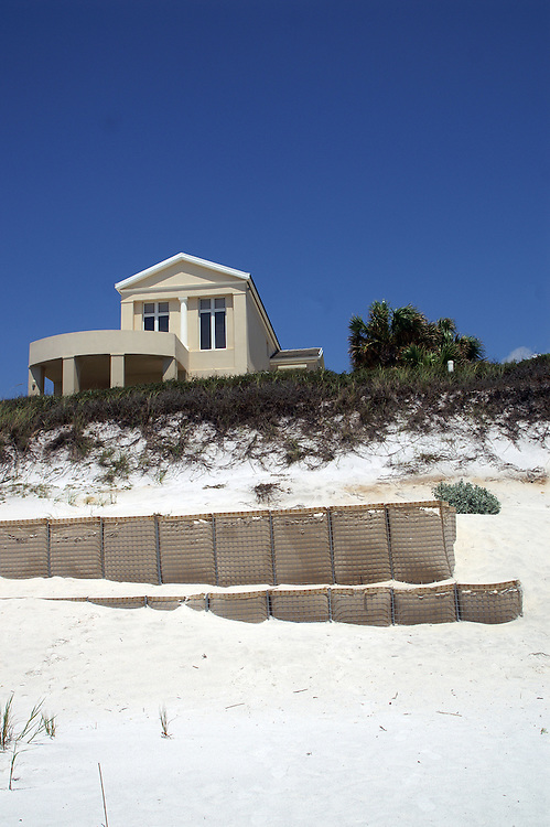 The artificial terraces are used to stabilize the dune and encourage it to grow.