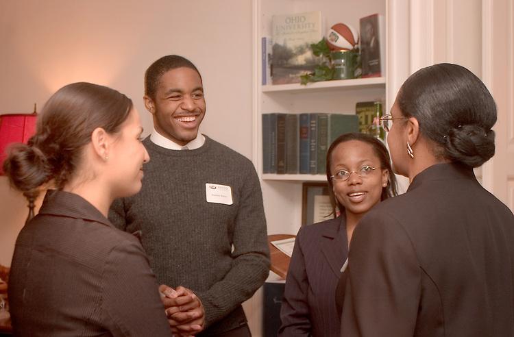16943Templeton Scholars Visiting President's House 4/12/05