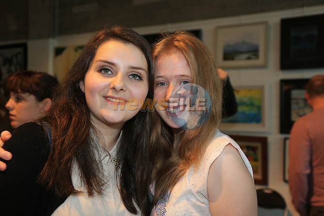 Hannah Codd and Emma Hodgers at the AMERGIN ARTISTS CO-OP OPENING NIGHT<br /> Picture:  Fran Caffrey / www.newsfile.ie