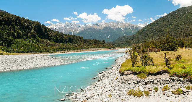 Whataroa River with Southern Alps in background, West Coast, South Westland, New Zealand, NZ