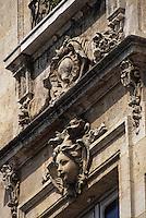 Europe/France/Aquitaine/33/Gironde/Bordeaux: Détail d'une façade sculptée quai des Chartrons