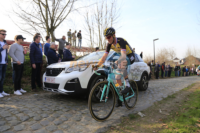 Bram Tankink (NED) Lotto NL-Jumbo climbs Oude Kwaremont during the 60th edition of the Record Bank E3 Harelbeke 2017, Flanders, Belgium. 24th March 2017.<br /> Picture: Eoin Clarke | Cyclefile<br /> <br /> <br /> All photos usage must carry mandatory copyright credit (&copy; Cyclefile | Eoin Clarke)
