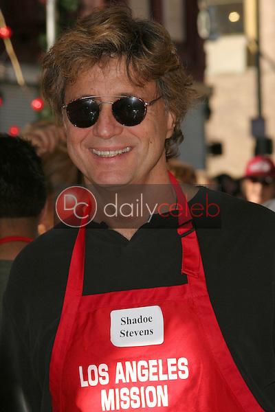 Shadoe Stevens