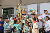 SÃO PAULO, SP, 05.03.2019 - CARNAVAL-SP - Integrantes da escola de samba Mancha Verde comemoram vitoria do campeonato após acompanharem a apuração das notas das Escolas de Samba do grupo especial de São Paulo na tarde desta terca-feira, 05. (Foto: Nelson Gariba/Brazil Photo Press)