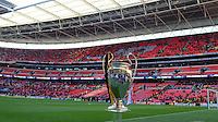 FUSSBALL  CHAMPIONS LEAGUE  SAISON 2012/2013  FINALE  Borussia Dortmund - FC Bayern Muenchen         25.05.2013 Champions League Pokal im Wembley Stadion
