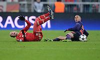 FUSSBALL  CHAMPIONS LEAGUE  ACHTELFINALE  HINSPIEL  2012/2013      FC Bayern Muenchen - FC Arsenal London     13.03.2013 Arjen Robben (li, FC Bayern Muenchen) gegen Kieran Gibbs (re, Arsenal)