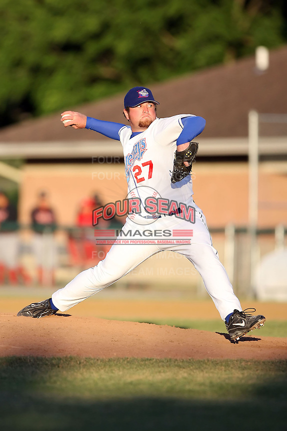 June 24th, 2007:  John Tritz of the Auburn Doubledays, Class-A affiliate of the Toronto Blue Jays at Falconer Park in Auburn, NY.  Photo by:  Mike Janes/Four Seam Images