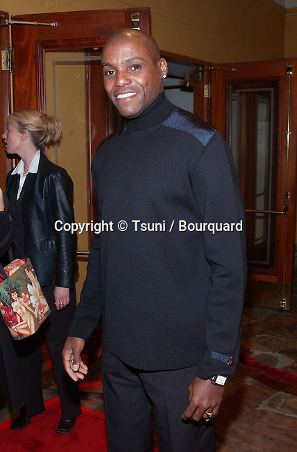 Carl Lewis arriving at the premiere of Collateral Damage at the Man Village Theatre in Westwood Los Angeles. February 4, 2002.           -            LewisCarl01.jpg