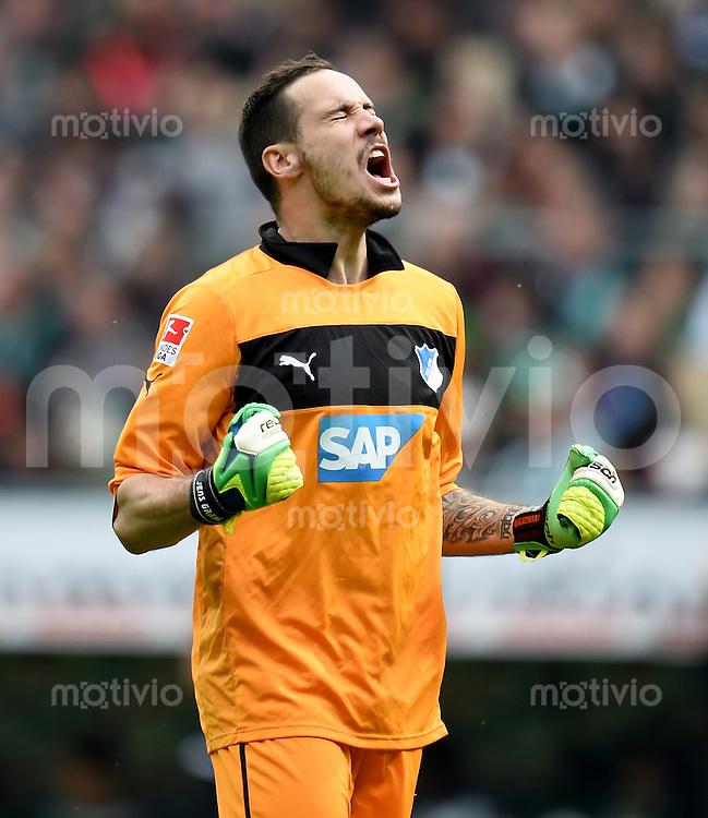 FUSSBALL   1. BUNDESLIGA   SAISON 2013/2014   31. SPIELTAG SV Werder Bremen - 1899 Hoffenhein                   19.04.2014 Torwart Jens Grahl (1899 Hoffenheim) jubelt nach dem Tor zum 0:1