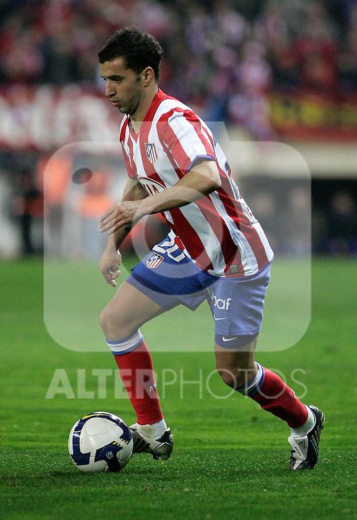 Atletico de Madrid's Simao Sabrossa during La Liga match, March 01, 2009. (ALTERPHOTOS/Alvaro Hernandez).