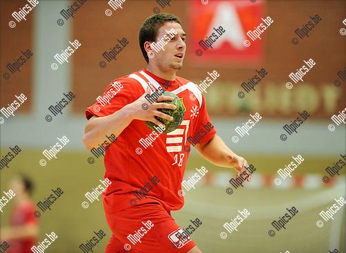 2011-09-10 / Handbal / seizoen 2011-2012 / Sasja Antwerpen / Dennis Thijs..Foto: Mpics