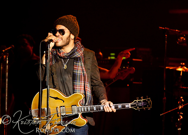 Lenny Kravitz perform at Orpheum Theater on October 21, 2009.