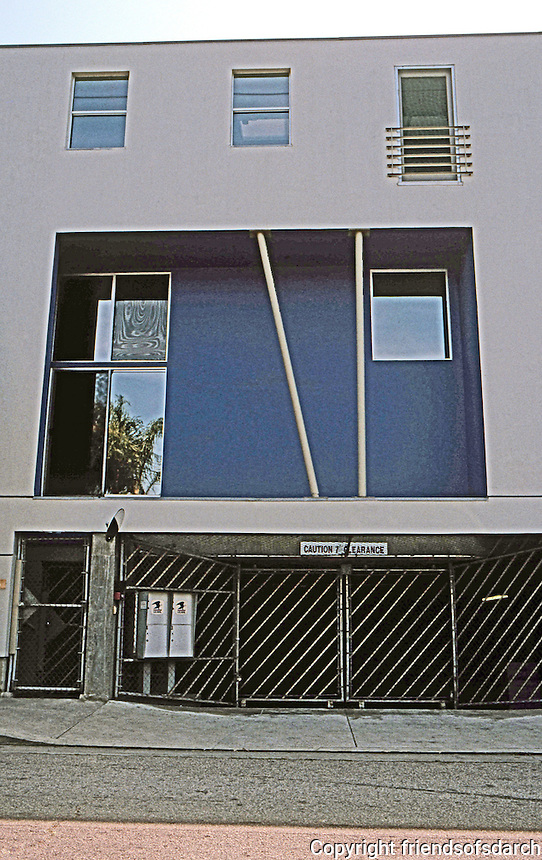 Koning Eizenberg: Electric Art Block. Standard Unit--Garage below, first floor, mezzanine and upper floor.  Photo '04.