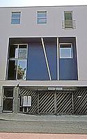 Koning Eizenberg: Electric Art Block. Standard Unit--Garage below, first floor, mezzanine and upper floor.  Photo '04.