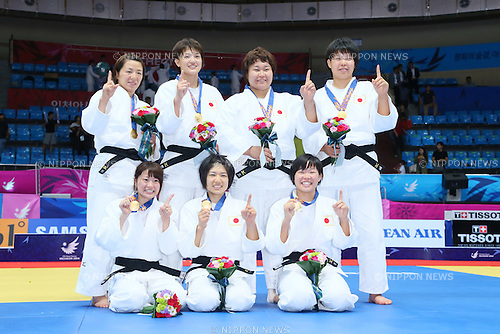 Japan women's team groyp (JPN), <br /> SEPTEMBER 23, 2014 - Judo : <br /> Women's Team victory ceremony <br /> at Dowon Gymnasium <br /> during the 2014 Incheon Asian Games in Incheon, South Korea. <br /> (Photo by Yohei Osada/AFLO SPORT)