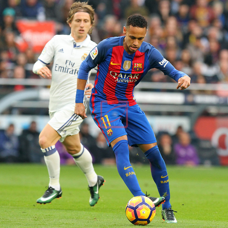 League Santander 2016/2017. Game: 14.<br /> FC Barcelona vs Real Madrid: 1-1.<br /> Luka Modric vs Neymar.