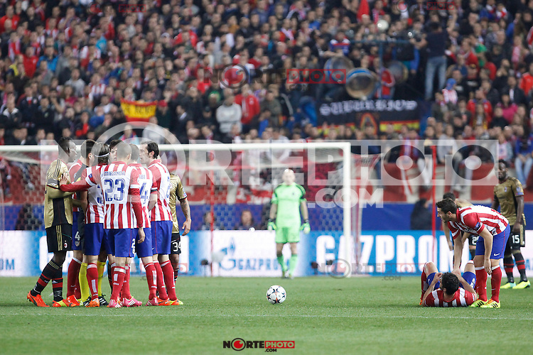 Atletico de Madrid´s players arguing with Milan´s players during 16th Champions League soccer match at Vicente Calderon stadium in Madrid, Spain. January 06, 2014. (ALTERPHOTOS/Victor Blanco)