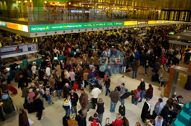 3rd December, 2006 Chaos at Dublin Airport.&amp;#xA;Photo: Barry Cronin/ Newsfile&amp;#xA;(Photo caption should read  Barry Cronin/Newsfile)&amp;#xA;&amp;#xA;<br />