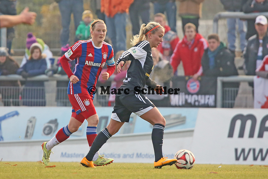 Mandy Islaker (FFC) gegen Melanie Behringer (Bayern) - 1. FFC Frankfurt vs. FC Bayern Muenchen, Stadion am Brentanobad