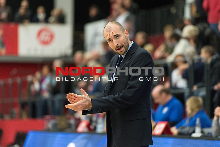 04.12.2013, Artland Arena, Quakenbrueck, GER, EC BBL, Artland Dragons - KK Cibona Zagreb, im Bild<br /> <br /> Slaven Rimac (Cibona Zagreb Headcoach)<br /> Einzelaktion, Halbk&radic;&part;rper / Halbkoerper, Freisteller, Gestik, Mimik,Querformat, <br /> Foto &not;&copy; nph / Kokenge *** Local Caption ***