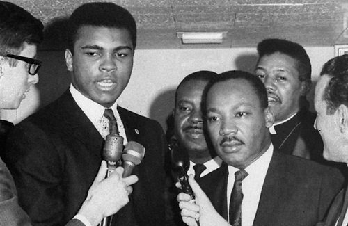 Muhammad Ali con el Dr Luther King Jr.