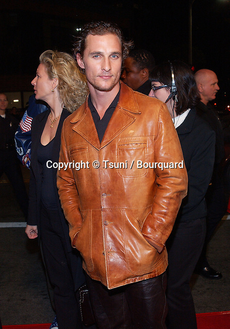 Matthew McConaughey arriving at the premiere of Hart's War at the Mann National Theatre in Westwood, Los Angeles. February 12, 2002.           -            McConaugheyMatthew01A.jpg