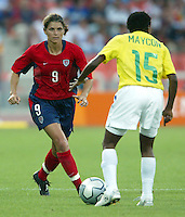 14 August 2004:   USA Mia Hamm in action at Kaftanzoglio Stadium in Thessaloniki, Greece.   USA defeated Brazil, 2-0. Credit: Michael Pimentel / ISI