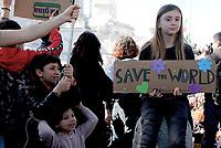 Roma, 15 Marzo 2019.<br /> Alice Imbastari, la giovane che si ispira a Greta. Migliaia di studentesse e studenti partecipano al Global Strike For Future, lo sciopero generale per il pianeta lanciato dalla 16enne Greta Thunberg diventata simbolo della lotta ai cambiamenti climatici