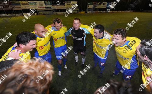 2012-10-27 / Voetbal / seizoen 2012-2013 / Hooikt - Schriek / Schriek pakt de periodetitel..Foto: Mpics.be