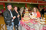 Ballybunion Craft Fair : sampling the delights of Cupcakes By Dee were Tom & Cora Keane from Ballylongford with  Deidre Power from Tralee.
