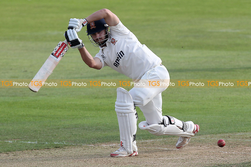 Jaik Mickleburgh in batting action for Essex - Essex CCC vs Kent CCC - LV County Championship Division Two Cricket at the Essex County Ground, Chelmsford, Essex - 09/09/14 - MANDATORY CREDIT: Gavin Ellis/TGSPHOTO - Self billing applies where appropriate - contact@tgsphoto.co.uk - NO UNPAID USE
