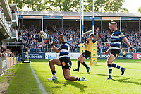 Jonathan Joseph of Bath Rugby celebrates his second half try. Aviva Premiership match, between Bath Rugby and Newcastle Falcons on September 23, 2017 at the Recreation Ground in Bath, England. Photo by: Patrick Khachfe / Onside Images