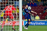 Lionel Andres Messi (r) of FC Barcelona in action as goalkeeper Silvio Proto of Olympiacos FC looks on during the UEFA Champions League 2017-18 match between FC Barcelona and Olympiacos FC at Camp Nou on 18 October 2017 in Barcelona, Spain. Photo by Vicens Gimenez / Power Sport Images