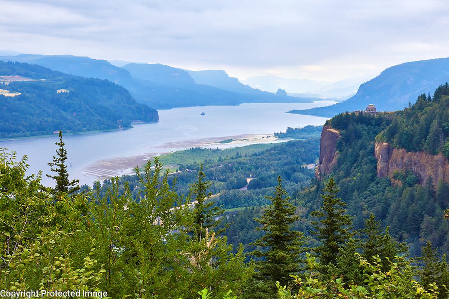 View of the Columbia River Gorge along the Washington-Oregon border
