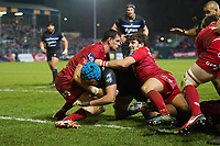 Zach Mercer of Bath Rugby scores a try in the second half. European Rugby Champions Cup match, between Bath Rugby and the Scarlets on January 12, 2018 at the Recreation Ground in Bath, England. Photo by: Patrick Khachfe / Onside Images