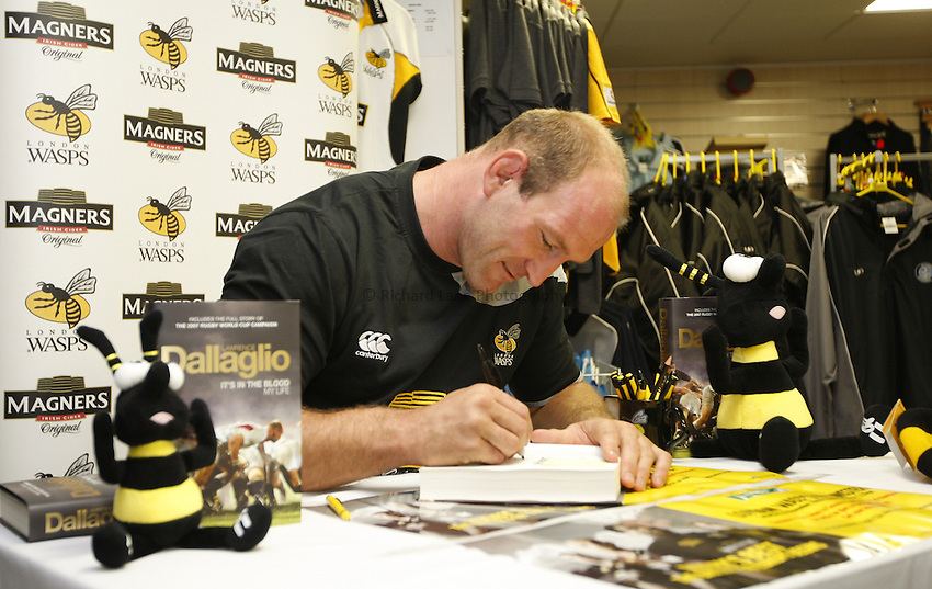 Photo: Richard Lane/Richard Lane Photography..London Wasps v Gloucester Rugby. EDF Energy Cup. 04/11/2007. .Wasps' Lawrence Dallaglio signs copies of his autobiography, 'It's in the blood'.