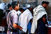 Gerusalemme / Israele.Ebrei in preghiera al Muro del pianto..Foto Livio Senigalliesi..Jerusalem / Israel.Jews pray at the Wailing wall..Photo Livio Senigalliesi