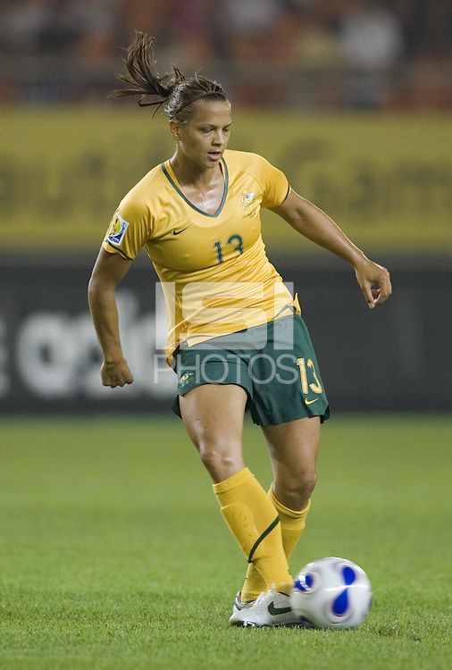 Australia defender (13) Thea Slatyer. Norway tied Australia 1-1 in their FIFA Women's World Cup China 2007 Group C opening round match at Hangzhou Dragon Stadium in Hangzhou, China on September 15, 2007.