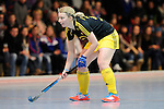 Mannheim, Germany, January 24: During the 1. Bundesliga Damen Hallensaison 2014/15 quarter-final hockey match between Mannheimer HC (white) and Harvestehuder THC (black) on January 24, 2015 at Irma-Roechling-Halle in Mannheim, Germany. Final score 2-3 (2-2). (Photo by Dirk Markgraf / www.265-images.com) *** Local caption *** Anne-Kathrin Deupmann #21 of Harvestehuder THC
