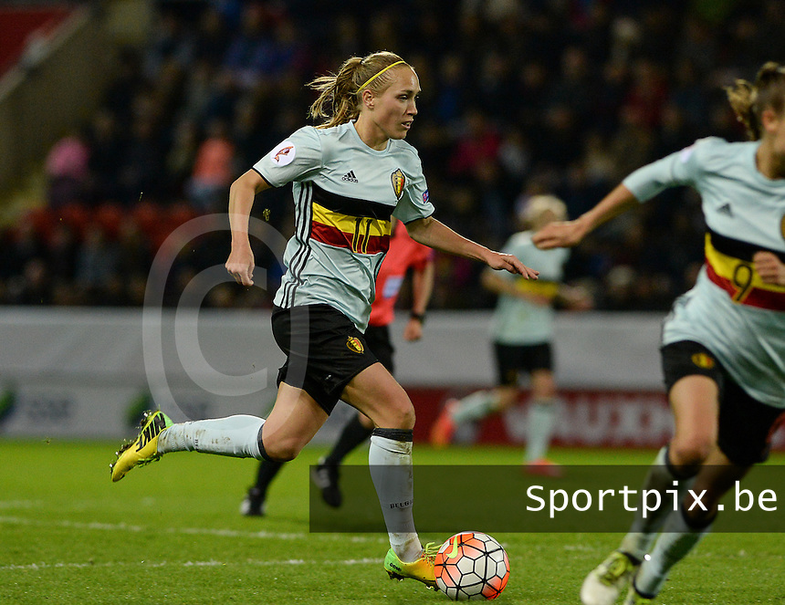 20160408 - ROTHERHAM , ENGLAND : Belgian Janice Cayman pictured during the female soccer game between England and The Belgian Red Flames - Belgium , the fourth game in the qualification for the European Championship in The Netherlands 2017  , Friday 8 th April 2016 at AESSEAL New York Stadium in Rotherham , England . PHOTO DAVID CATRY