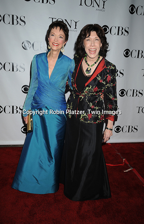 winner of Tony Award Deanna Dunagan and Lily Tomlin.posing for photographers at the 62nd Annual Tony Awards.on June 15, 2008 at Radio City Music Hall. ..Robin Platzer, Twin Images